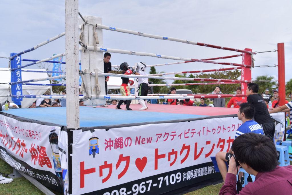 格闘技エリアでは大興奮@TUKTUKfesta